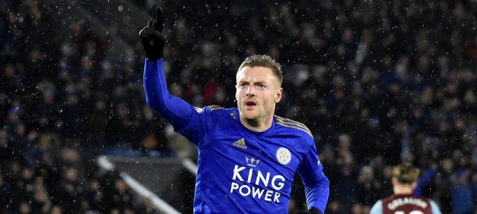 Leicester rozstrieľal Aston Villu, dvakrát skóroval Vardy aj Barnes
